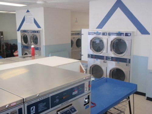 Clean, new, and bright | Smithfield Main Street Laundromat