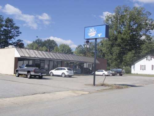 Franklin West Laundry Land Laundromat | 405 Franklin St., Franklin, VA