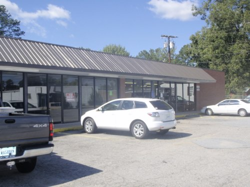 Lots of close parking | Franklin West Laundry Land Laundromat