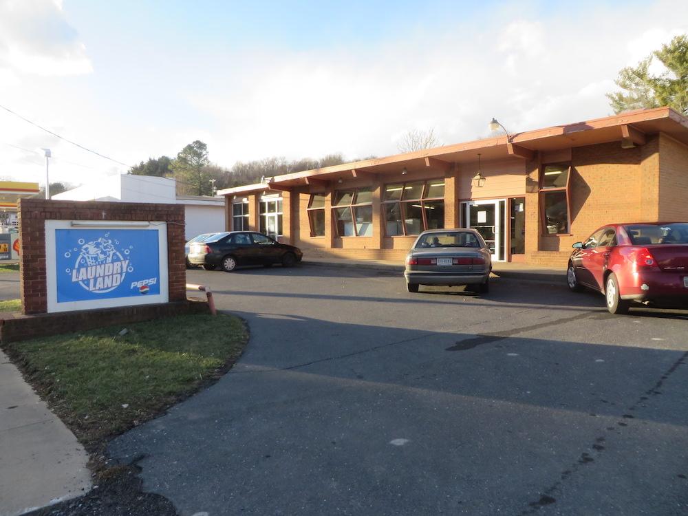 Staunton Laundry Land Laundromat, 2225 W. Beverly St., Staunton, VA